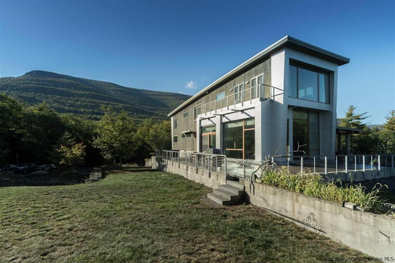 Inside+Out Featured Real Estate 37 Ledgesite Road Saugerties