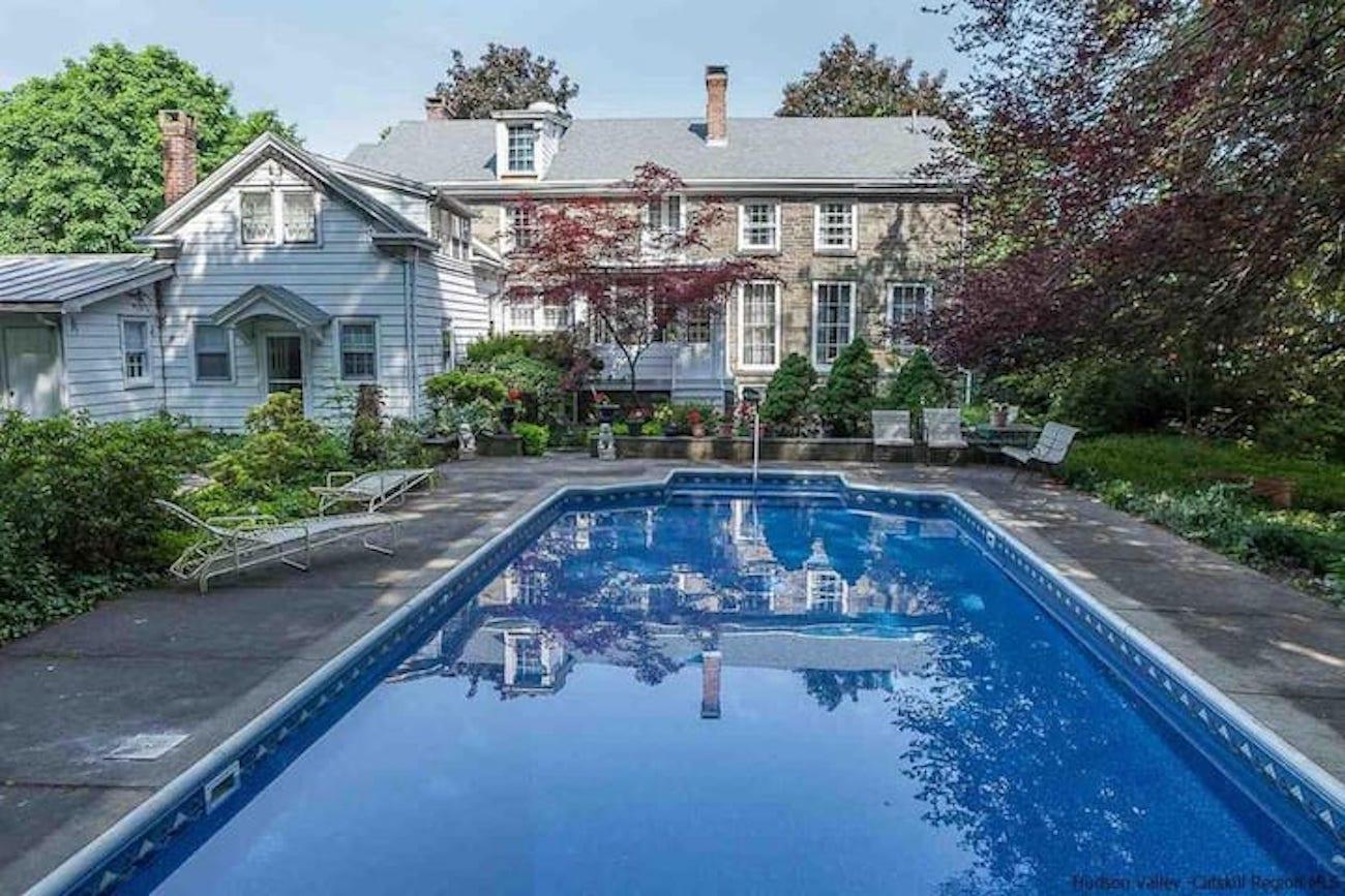 Historic Stone House Pool Kingston
